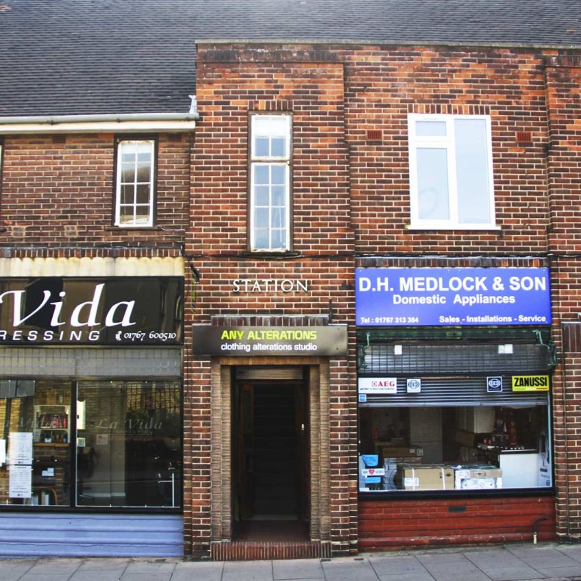 Any-Alterations-Biggleswade-Clothing-Alterations-Studio-04