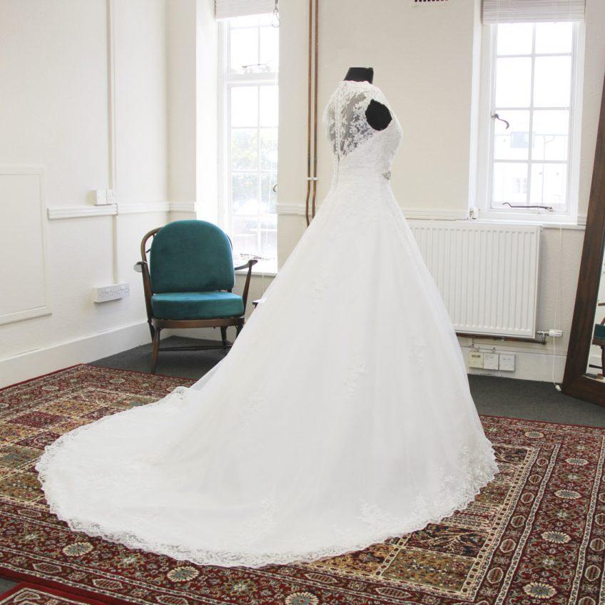 Any-Alterations-Biggleswade-Fitting-Room-Bridal-Seamstress-02